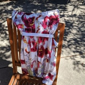 Banana Republic Dresses - Banana Republic strapless floral dress 0P